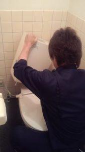 トイレタンクの部品点検