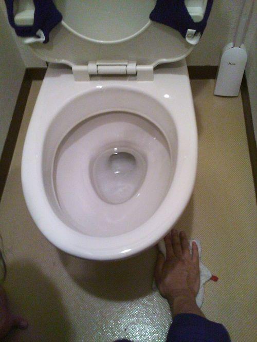 トイレつまり修理後の清掃