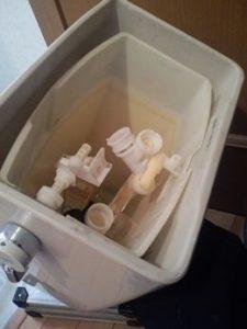 トイレタンクの修理